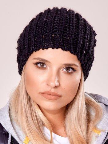 Czarna dziergana czapka z cekinami
