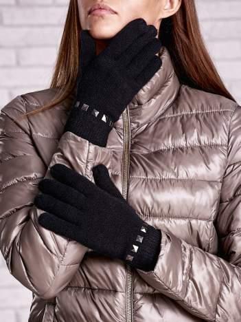 Czarne proste rękawiczki z ćwiekami
