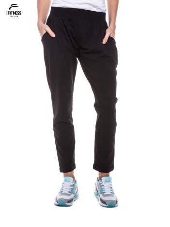 Czarne spodnie dresowe z prostą nogawką