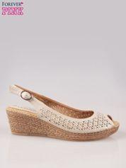 Beżowe ażurowe sandały peep toe na korkowym koturnie