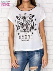 Biały t-shirt z nadrukiem tygrysa i zipem z tyłu