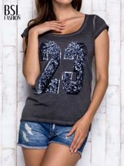 BY SALLY Ciemnoszary dekatyzowany t-shirt z cekinową liczbą 23
