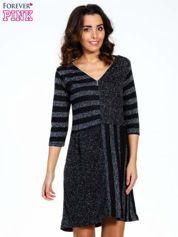 Czarna melanżowa sukienka z motywem pasków