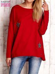 Czerwona bluza z błyszczącymi gwiazdkami
