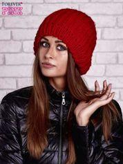 Czerwona czapka smerfetka o grubym splocie