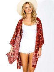 Czerwone kimono z folkowym nadrukiem