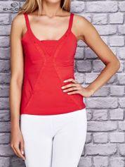Czerwony damski top sportowy na ramiączkach