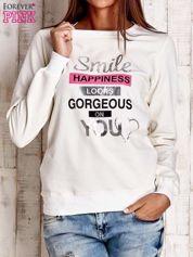 Ecru bluza z napisem SMILE HAPPINESS LOOKS GORGEOUS ON YOU