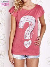 Fuksjowy t-shirt z nadrukiem znaku zapytania