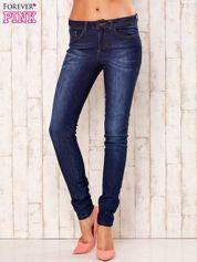 Granatowe spodnie jeansowe slim