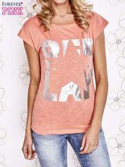 Koralowy t-shirt z motywem gwiazdy i dżetami