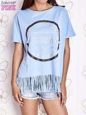 Niebieski t-shirt z nadrukiem i frędzlami