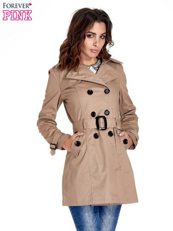 Beżowy klasyczny płaszcz typu trencz