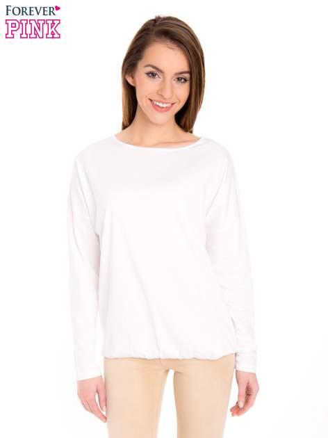 Biała bluzka z gumką u dołu