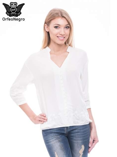 Biała koszula w stylu boho z kwiatowym haftem