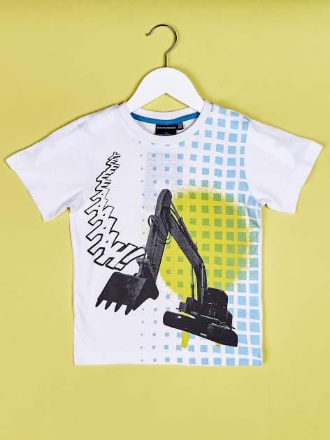 Biały t-shirt chłopięcy z nadrukiem koparki