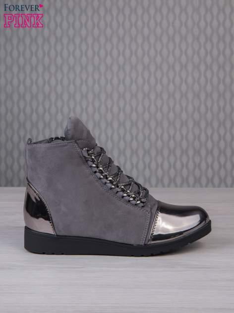 Ciemnoszare zamszowe sneakersy z lustrzanymi elementami