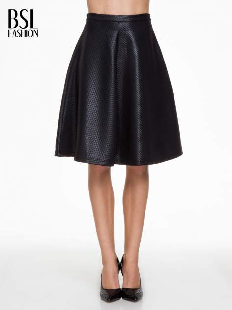 Czarna pikowana spódnica midi