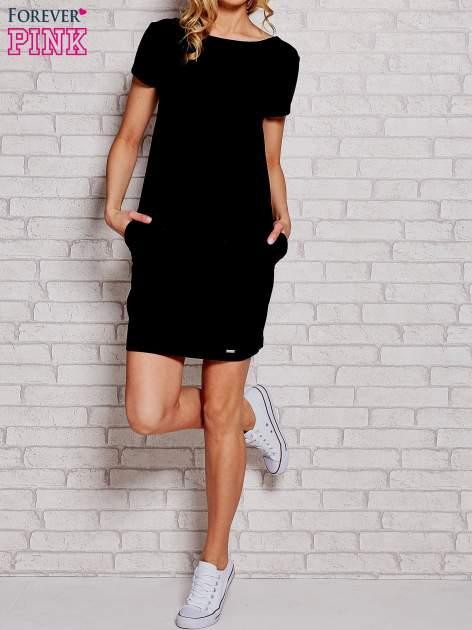 Czarna sukienka dresowa z kieszeniami
