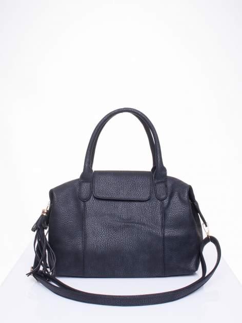 Czarna torba z klapką i odpinanym paskiem