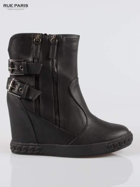 Czarne botki w stylu sneakersów z zamkami i klamrami