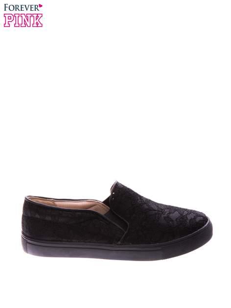 Czarne koronkowe buty slip on