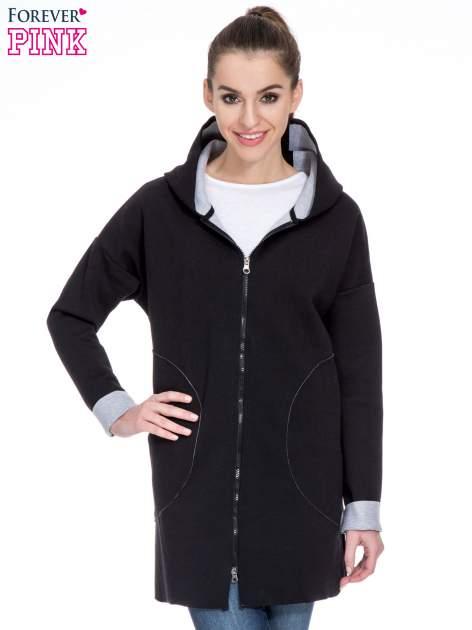 Czarny dresowy płaszcz oversize z kapturem