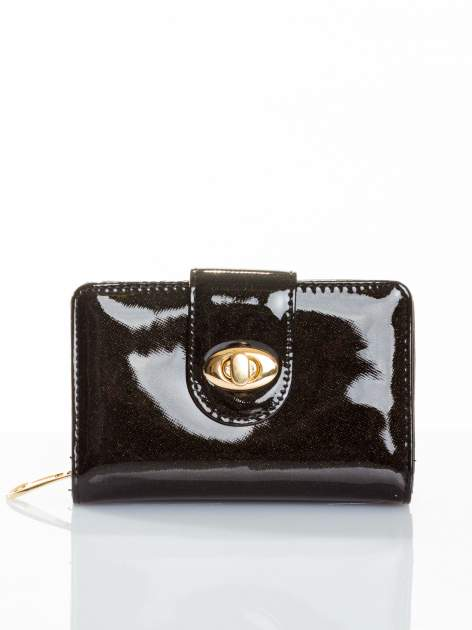 Czarny portfel ze złotym zapięciem efekt skóry saffiano