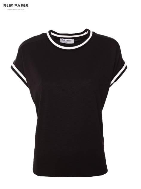 Czarny t-shirt w stylu tenis chic