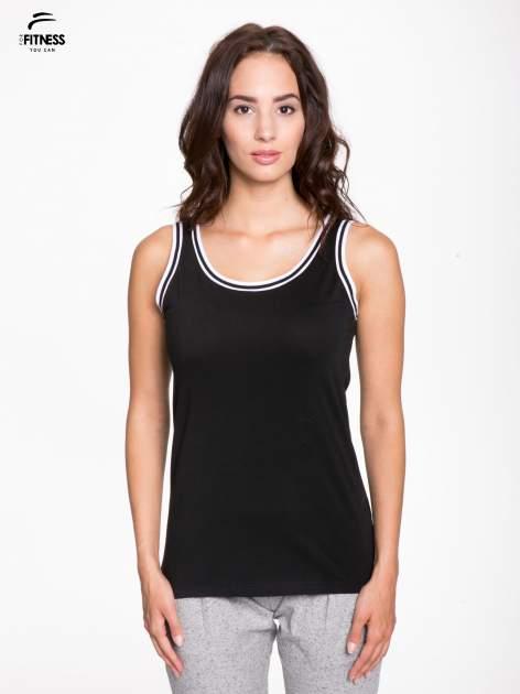 Czarny top z kontrastową lamówką w stylu tenis chic