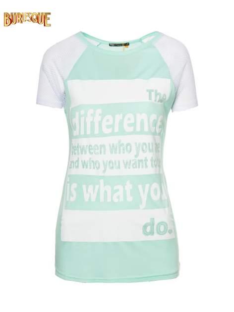 Jasnozielony t-shirt z napisem i siateczkowymi rękawami