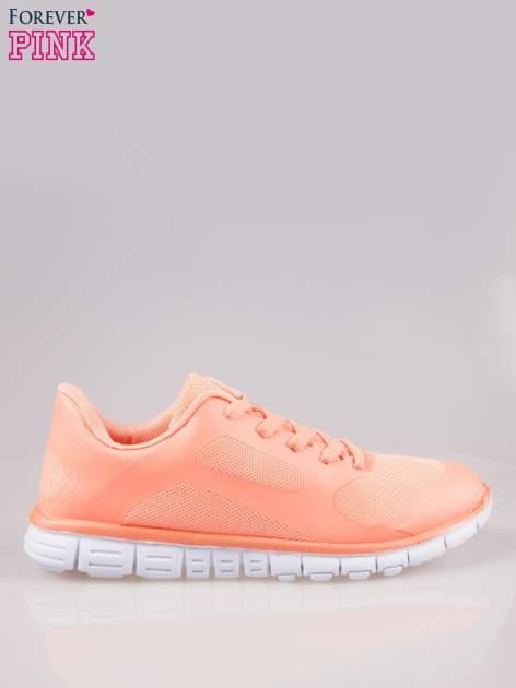 Koralowe buty sportowe damskie z podeszwą z rowkami flex