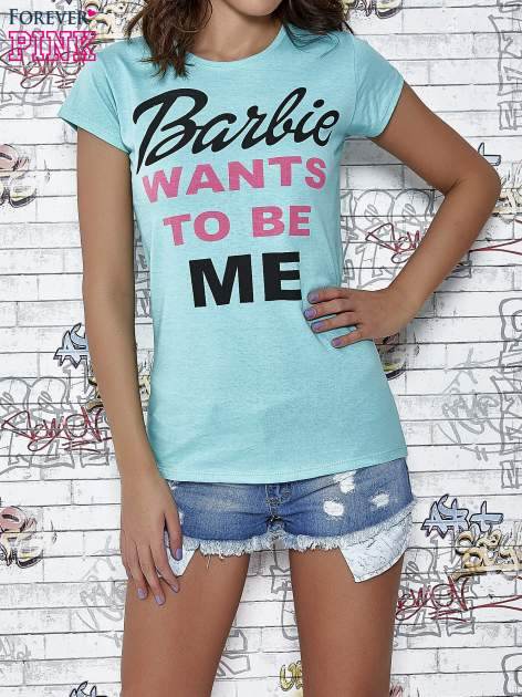 Miętowy t-shirt z napisem BARBIE WANTS TO BE ME