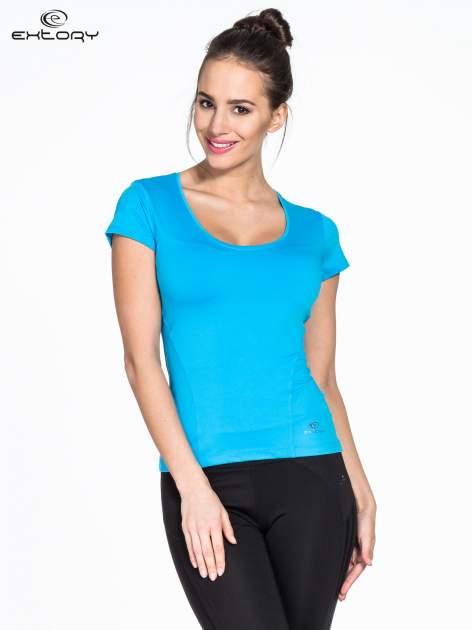Niebieski t-shirt sportowy basic z dekoltem U