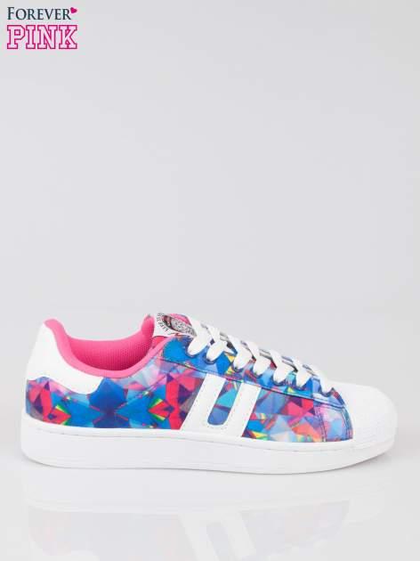 Niebieskie adidasy z motywem kwiatowym