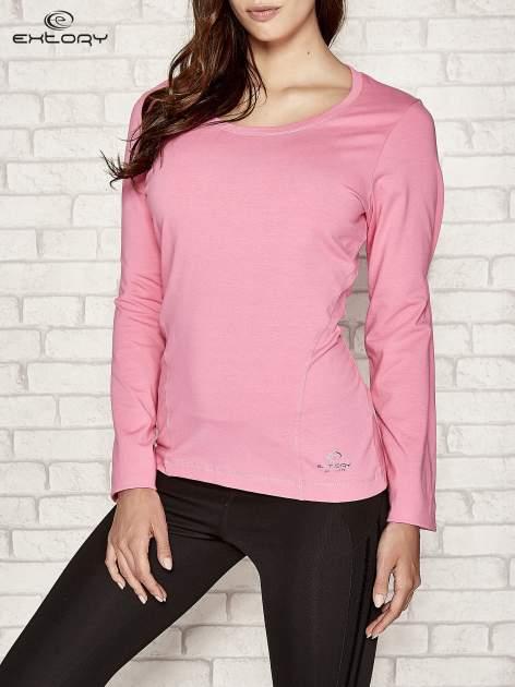 Różowa bluzka sportowa z dekoltem U