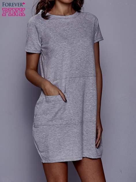 Szara sukienka dresowa z kieszenią z boku