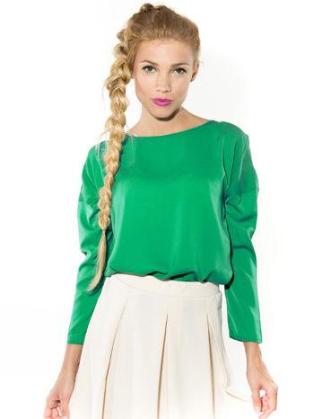 Zielona zwiewna koszula z łódkowym dekoltem