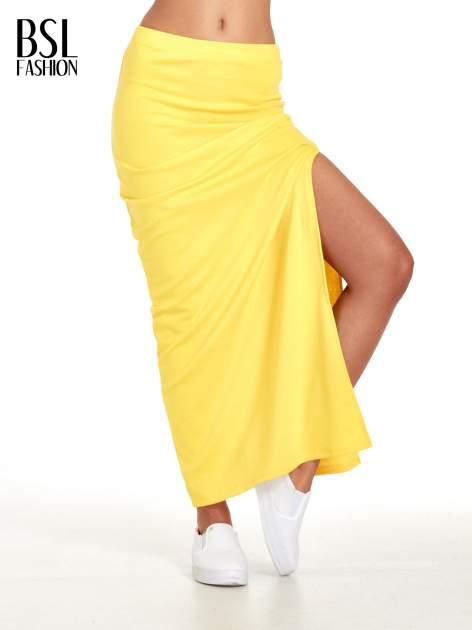 Żółta długa spódnica maxi z rozporkiem
