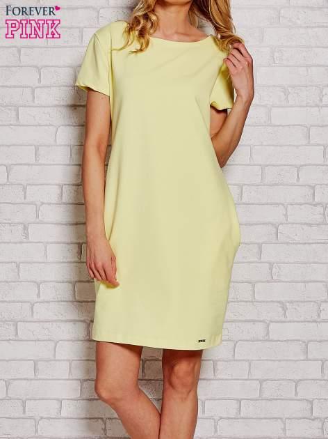 Żółta sukienka dresowa z kieszeniami