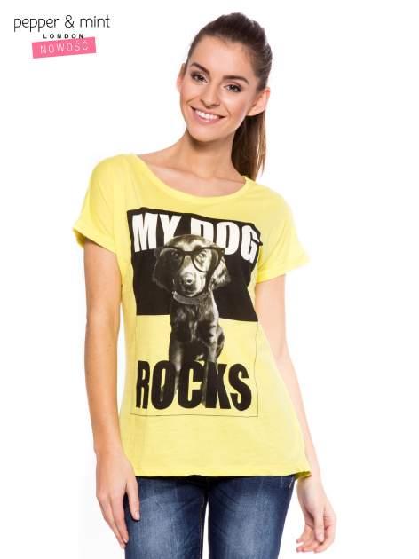 Żółty t-shirt z nadrukiem psa w nerdach