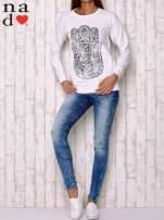 Biała bluza z motywem dłoni