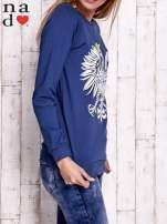 Ciemnoniebieska bluza z godłem