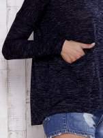 Granatowa melanżowa bluzka z kieszeniami z przodu