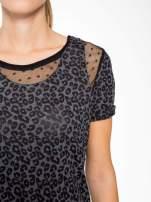 Panterkowy t-shirt z koronkowymi wstawkami przy dekolcie