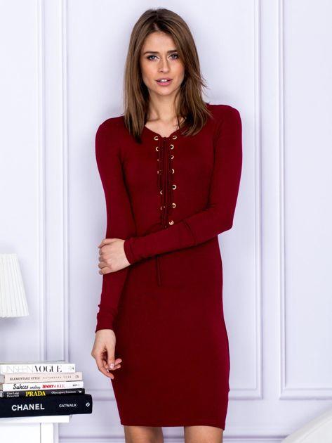 Dopasowana sukienka z wiązanym dekoltem bordowa                                  zdj.                                  1