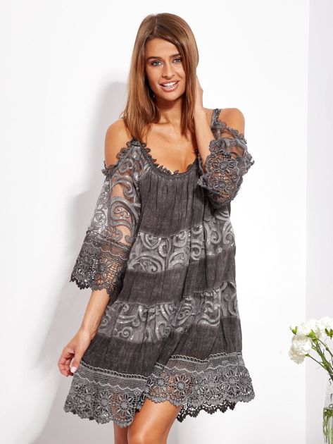 Grafitowa sukienka cold shoulder z koronką i cekinowym haftem                              zdj.                              1
