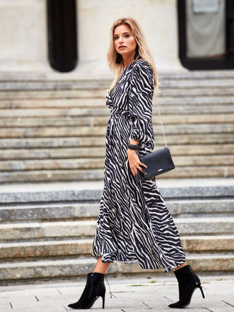 Czarno-beżowa sukienka maxi z nadrukiem pasków zebry                              zdj.                              6