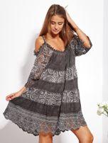 Grafitowa sukienka cold shoulder z koronką i cekinowym haftem                                  zdj.                                  6