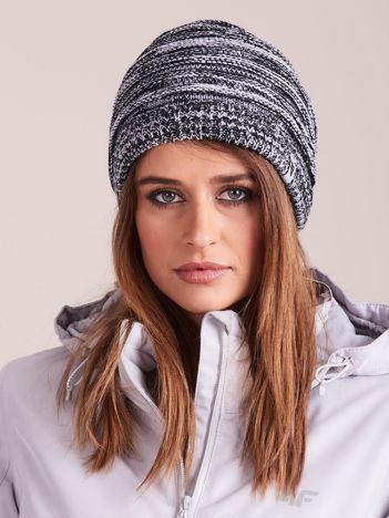 4F Biało-czarna melanżowa czapka w paski